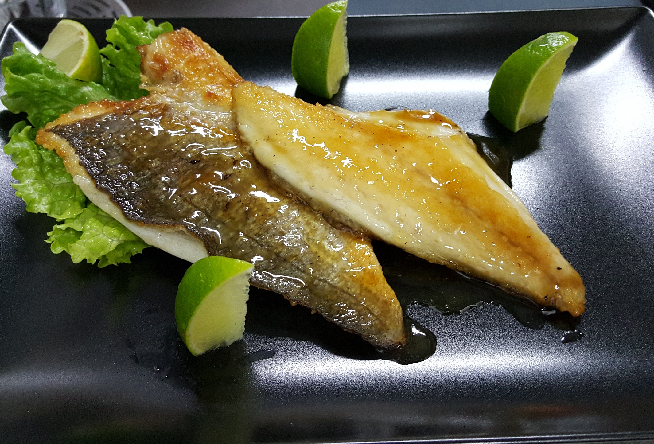 SEA BREAM FILLET WITH HONEY-GINGER SAUCE - a magic fusion recipe of Sri Lanka, typical healthy cuisine
