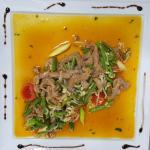 ПАД ПЕД ГАЙ - пиле с червено къри, кокосово мляко и зеленчуци