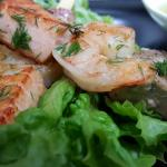Кралски скариди, риба тон, филе сьомга на шиш