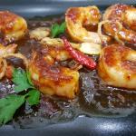 Кралски скариди в пикантен сос със сладък вкус на Тамаринд и чесън